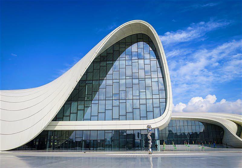 Il tour definitivo di Baku per gli amanti di architettura - Lonely Planet