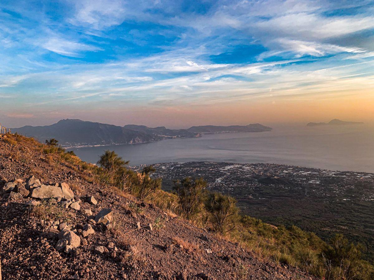 Trekking e archeologia sulle tracce del vulcano