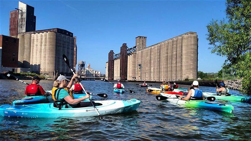Trekking, canoa, bici zipline: avventure outdoor a Buffalo