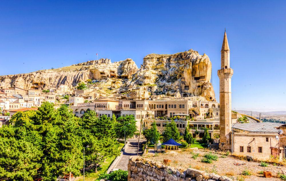 Avventura in Cappadocia: mistica bellezza tra le colline dell'Anatolia
