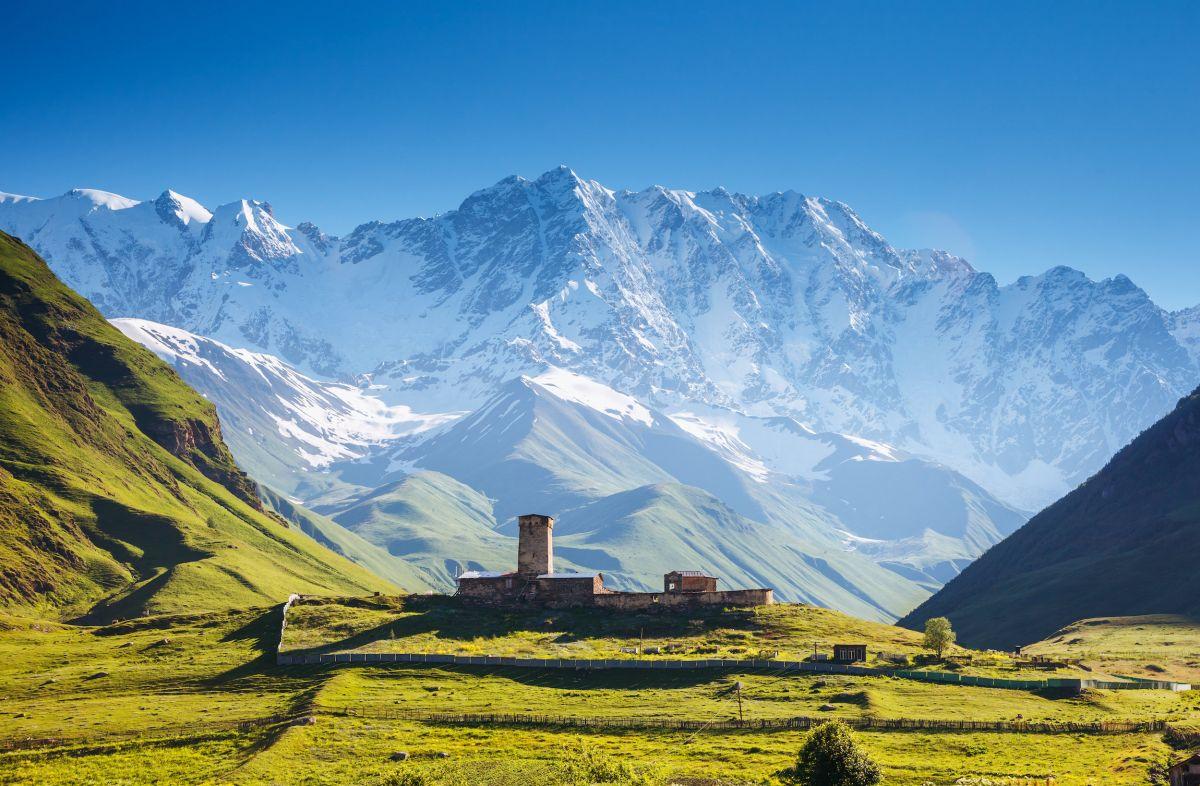 Trekking e mistero nello Svaneti, sulle montagne della Georgia