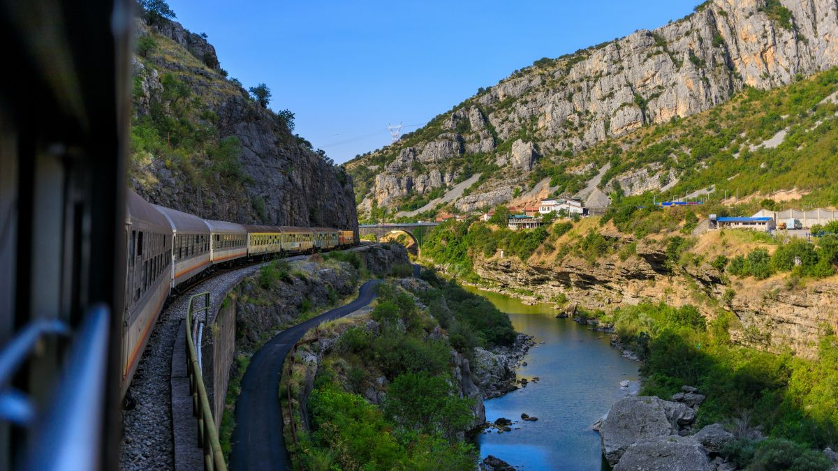 La ferrovia Belgrado-Bar: in treno attraverso i Balcani